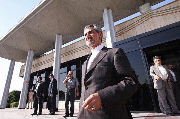 کامبیز شیخ حسنی