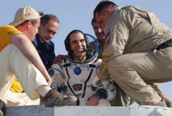 فضانورد3