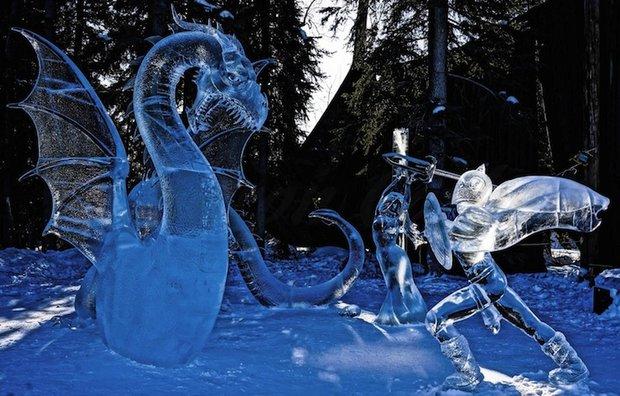 مجسمه یخی