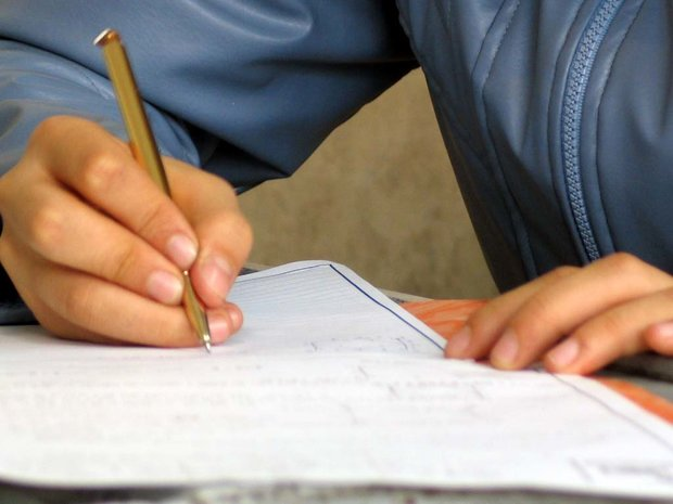 رقابت ۵ هزار دانش آموز قمی در آزمون تیزهوشان