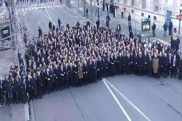 جای ابو بکر البغدادی در راهیمایی پاریس خالی بود