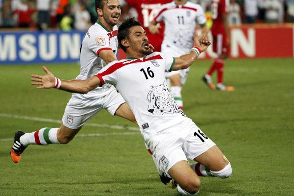 پیروزی تیم ملی فوتبال ایران برابر امارات/ صعود شیرین با صدرنشینی