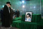 حضور رهبر معظم انقلاب در مرقد امام خمینی ( ره )