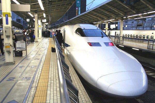 دستفروش های مترو در ژاپن هم هستند!