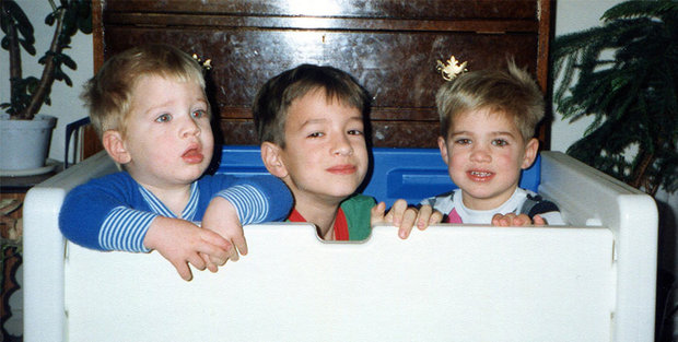 three-brothers-remake-childhood-photos-christmas-calendar-gift-16.jpg