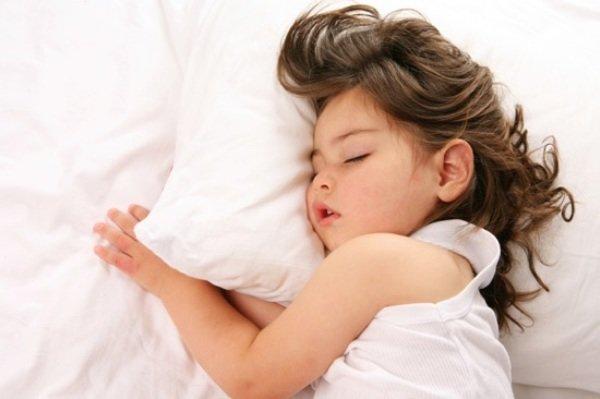 بے وقت نیند پوری کرنے والی خواتین میں کینسربڑھنے کا خطرہ