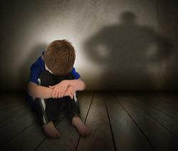 برطانیہ میں ساڑھے چار لاکھ بچے جنسی زیادتی کا شکار