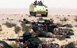 الجيش المصري يعلن مقتل 6 تكفيريين واثنين من قواته بسيناء