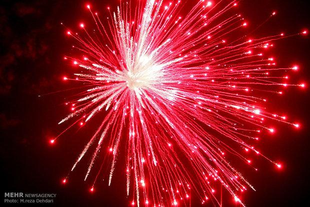 جشنهای بزرگداشت پیروزی انقلاب مردمی باشد