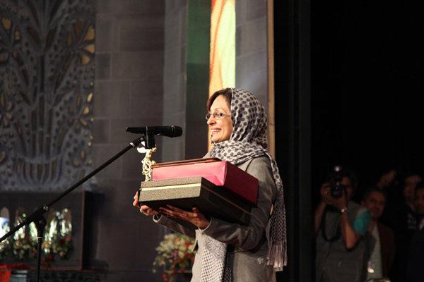 همسر سعید آقاخانی زنان در فیلم فجر بیوگرافی سعید آقاخانی برندگان فیلم فجر اختتامیه فیلم فجر