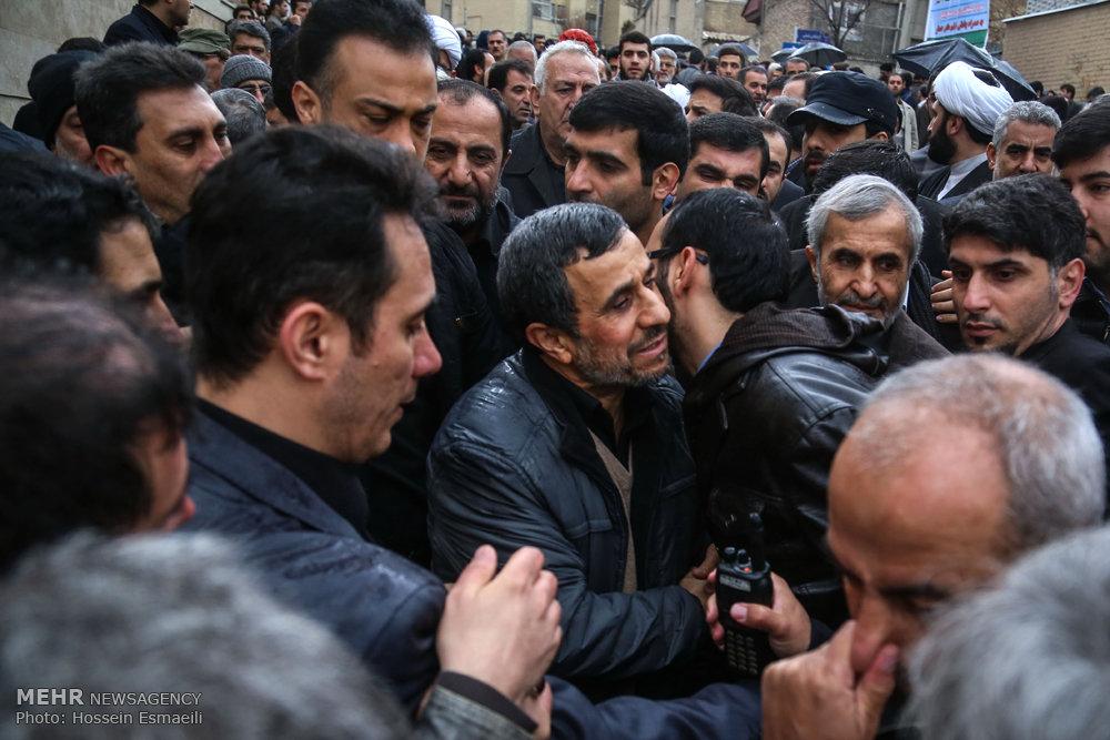 مراسم تشییع مادر احمدی نژاد