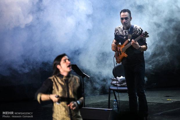 کنسرت موسیقی محسن یگانه در پنجمین روز جشنواره موسیقی فجر