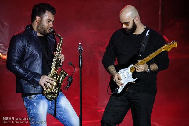 کنسرت بابک جهانبخش در برج میلاد