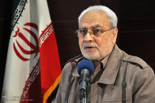 غیرمسلحانه بودن و غیر چریکی بودن دو ویژگی مهم انقلاب اسلامی است