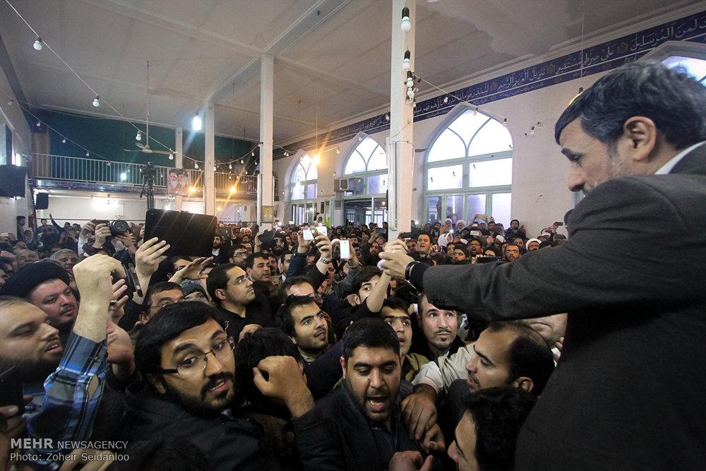 1601384 حضور پرشور مردم در مجلس ترحیم والده محمود احمدینژاد + تصاویر