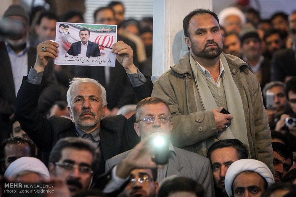 1601386 حضور پرشور مردم در مجلس ترحیم والده محمود احمدینژاد + تصاویر