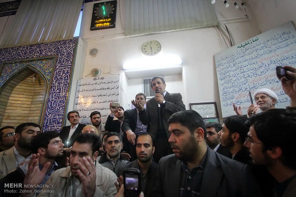 1601388 حضور پرشور مردم در مجلس ترحیم والده محمود احمدینژاد + تصاویر