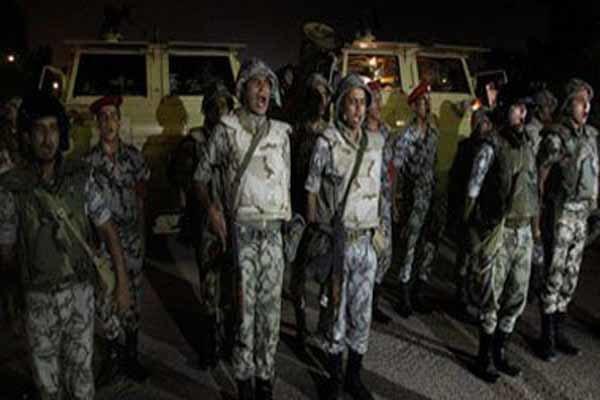 کشته و زخمی شدن 65 فرد مسلح در حملات ارتش مصر