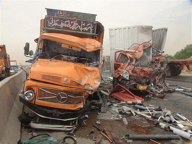 تصادف ۲ کامیون در سرپل ذهاب قربانی گرفت