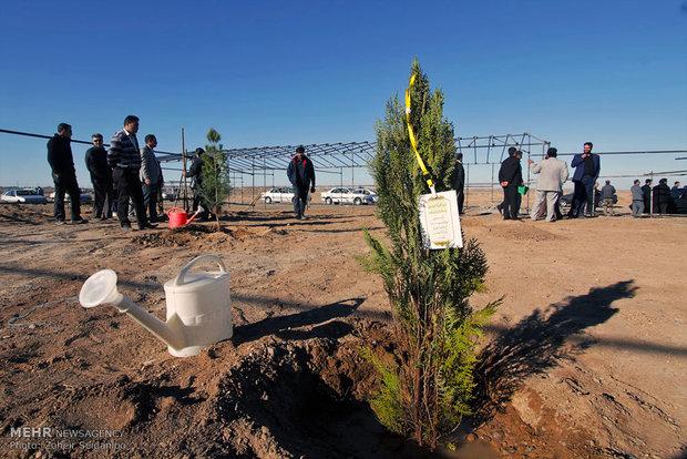مراسم روز درختکاری توسط علی لاریجانی رئیس مجلس