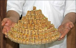 VIDEO: A baklava confectionery in Yazd