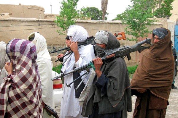 نگرانی از پیوستن فرماندهان طالبان به داعش در افغانستان