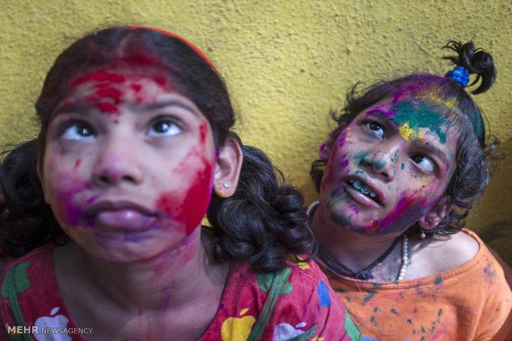 فستیوال رنگ ها؛ استقبال هندی ها از بهار