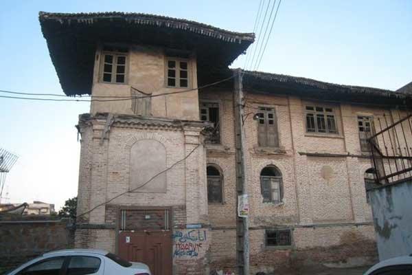 غبار فراموشی بر خانه های تاریخی ساری/ تخریب یا تعمیر
