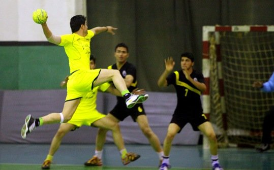 رقابت های قهرمانی هندبال نوجوانان استان مرکزی برگزار شد
