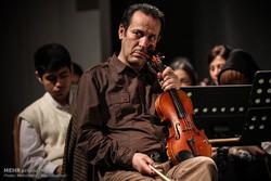 تجلیل از آقای نوازنده در اجرای ارکستر سمفونیک تهران