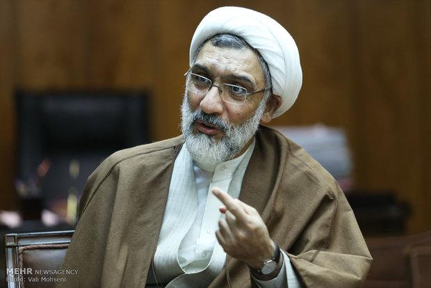 مردم ایران نماد مبارزه با طاغوت و نفاق در جهان هستند