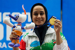 Sareh Javanmardi to sell her medal to help Iran quake victims