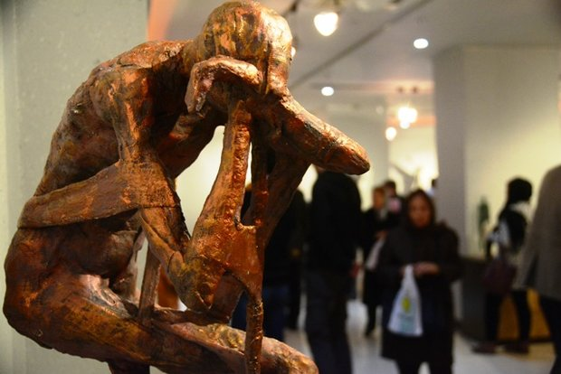 نمایشگاه «ریشهها و سنگها» به اصفهان آمد