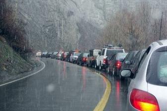 بارش باران در بیشتر جادههای گیلان و مازندران
