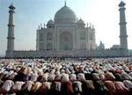 تاج محل سے ملحقہ مسجد میں غیر مقامی افراد کے لئے نماز کی ادائیگی پر پابندی عائد