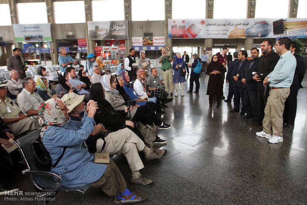 ورود قطار گردشگران خارجی به اصفهان