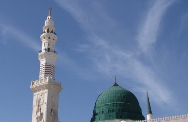 A show of unity in An-Nabawi Mosque