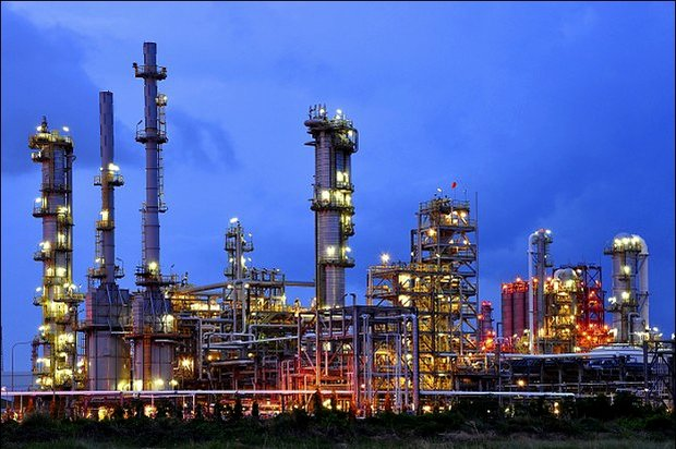Iran holds no plans to buy foreign petchem plants