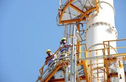 ۷۵ درصد فعالیت های اقتصادی خوزستان وابسته به نفت است
