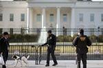بسته شدن درهای کاخ سفید در پی کشف یک بسته مشکوک