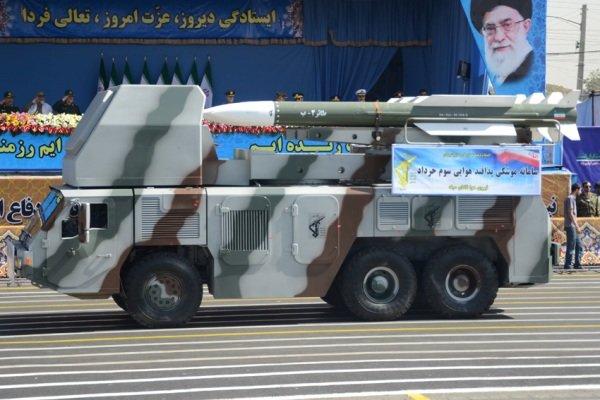 الحرس الثوري يزيح الستار عن مدينة صاروخية جديدة