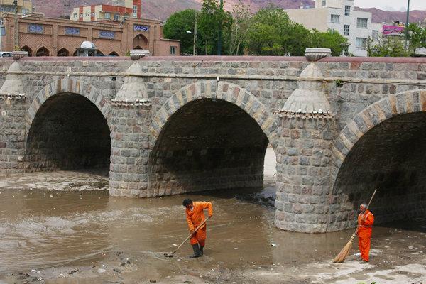 مهرانه رود تبریز متعفن است/ هدایت فاضلاب ۸۰ نقطه به یک رودخانه