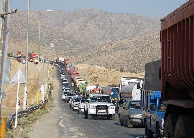 İranlı şoförler Türkiye'ye geçmek istemiyor