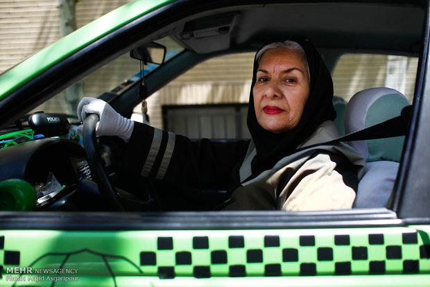 گفتگو با مینو شیخان راننده تاکسی و بازیگر