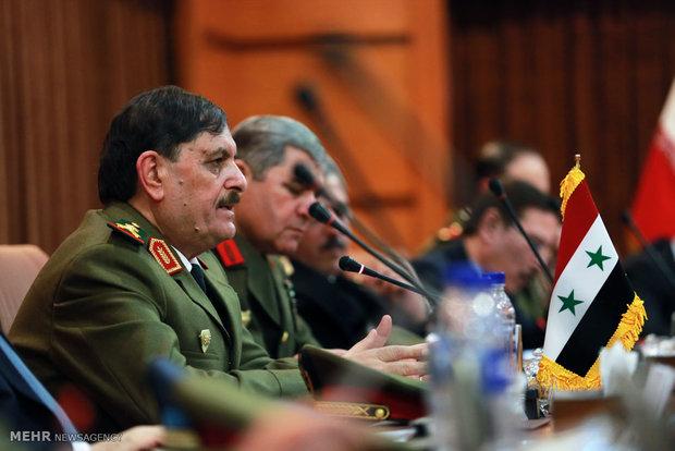 تفقد وزير الدفاع السوري لمناطق القتال
