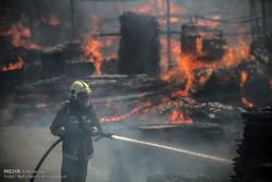 بالفيديو .. حريق ضخم يغطى سماء طهران بالدخان