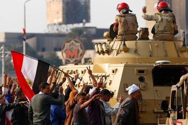 اتوبوس  نیروهای امنیتی مصر مورد هدف انفجار تروریستی قرار گرفت