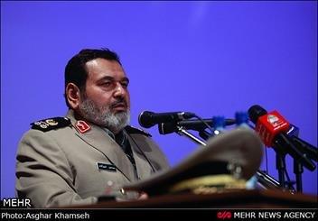 اللواء فيروزآبادي : حكومة الرئيس روحاني حكومة مجاهدة ومتفانية