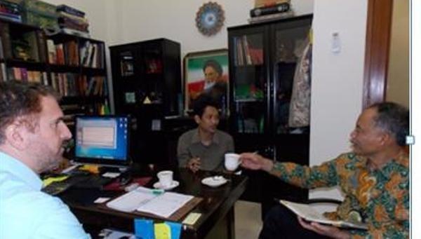 دیدار رایزن فرهنگی با رئیس مطالعات خاورمیانه دانشگاه اندونزی