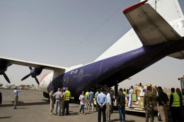 فرود هواپیمای سازمان صلیب سرخ جهانی در فرودگاه بینالمللی صنعاء
